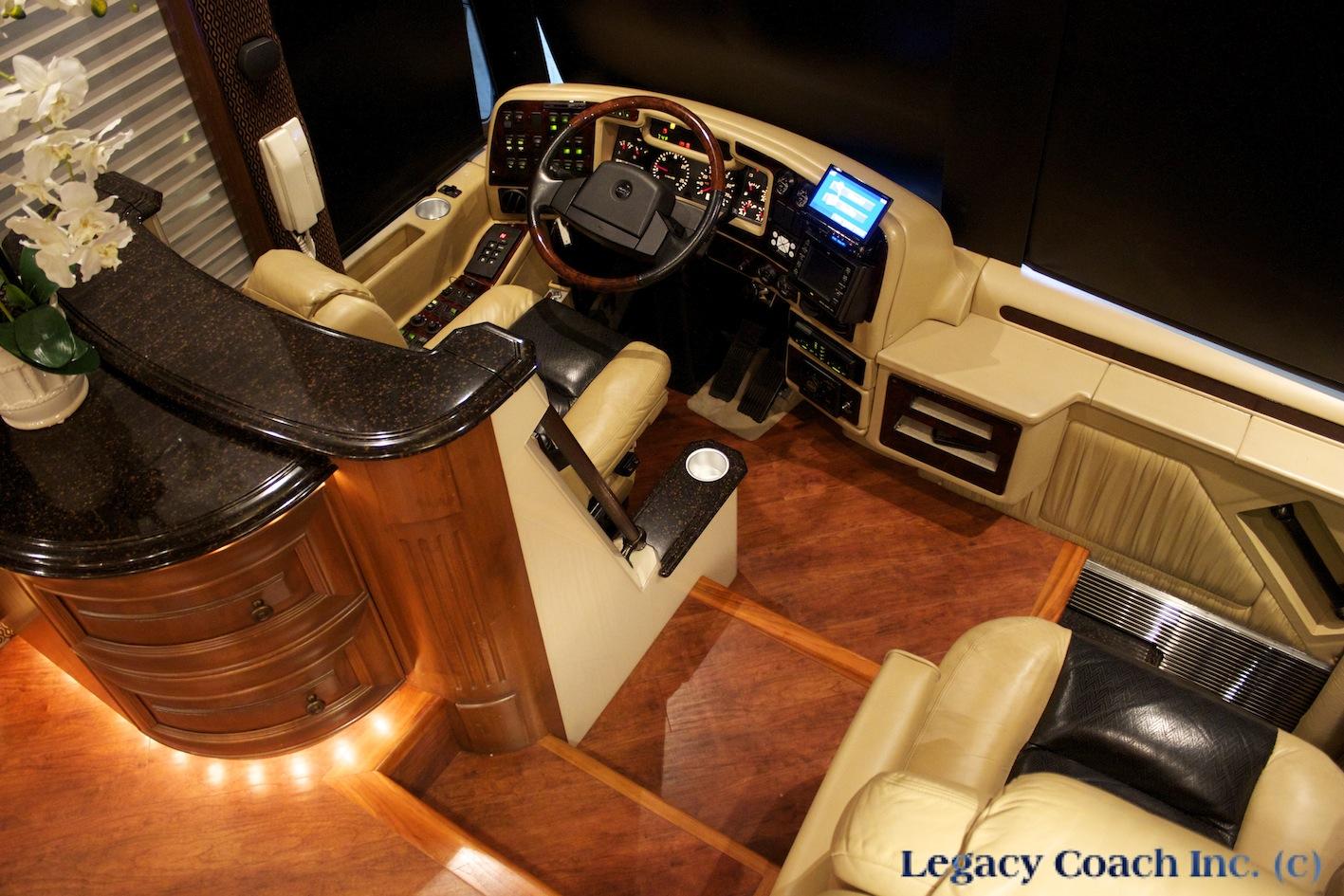 Prevost Liberty Elegant Lady 04 Legacy Coach Rockwall